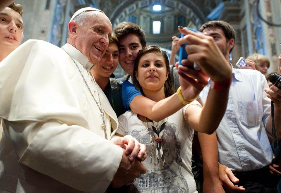Letër e Papës drejtuar të rinjëve