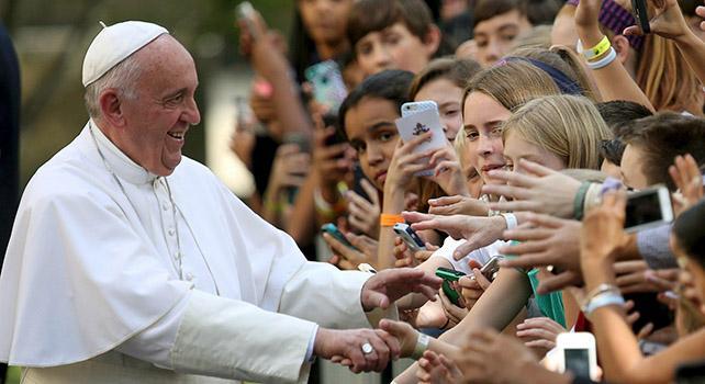 papa francesko dhe te rinjte