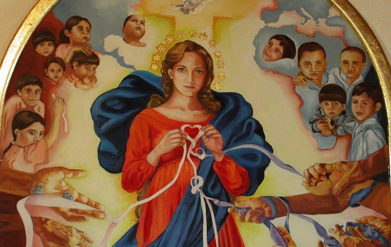 NËNTËDITSHI I MARISË QË ZGJIDHË NYJET